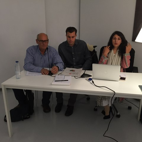 Samina Baig´s confered in the Recalde Room.